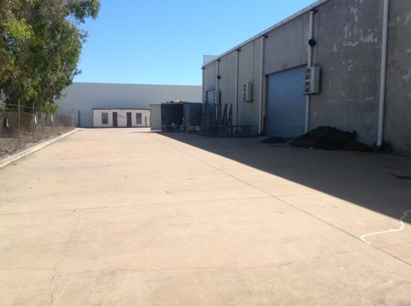 Unit 2A, U/125 Dalrymple Road GARBUTT QLD 4814